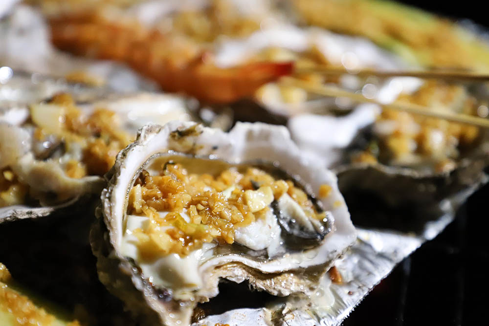 How Do You Eat Oysters on a Half Shell