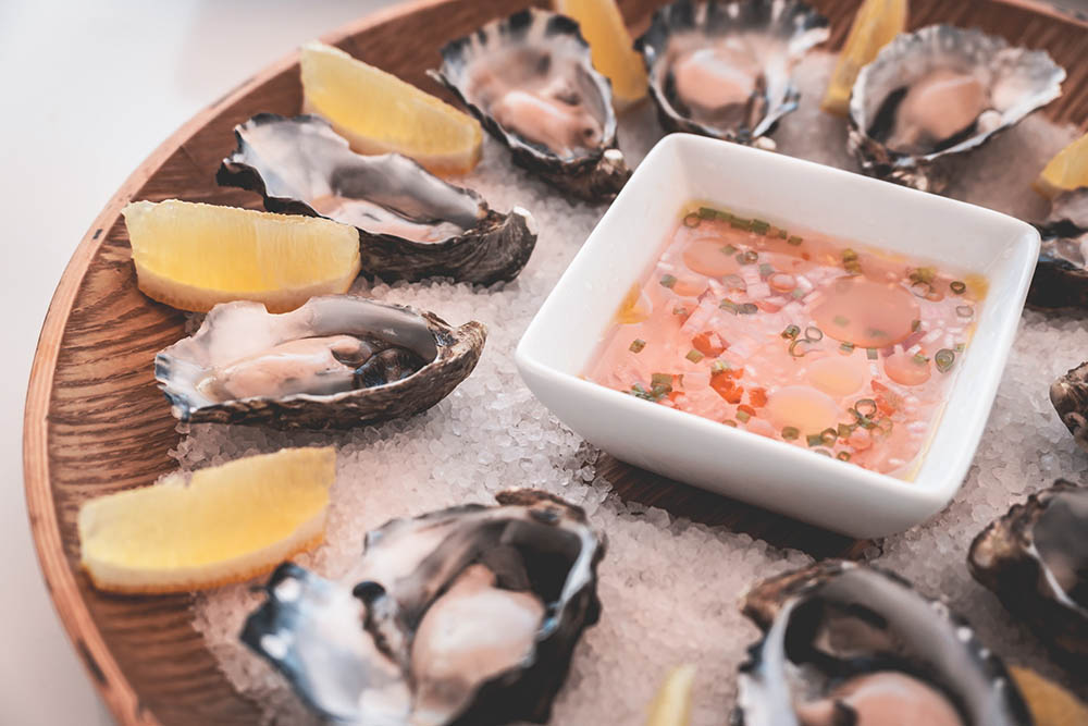 What Are the Best Sauces To Eat Oysters With